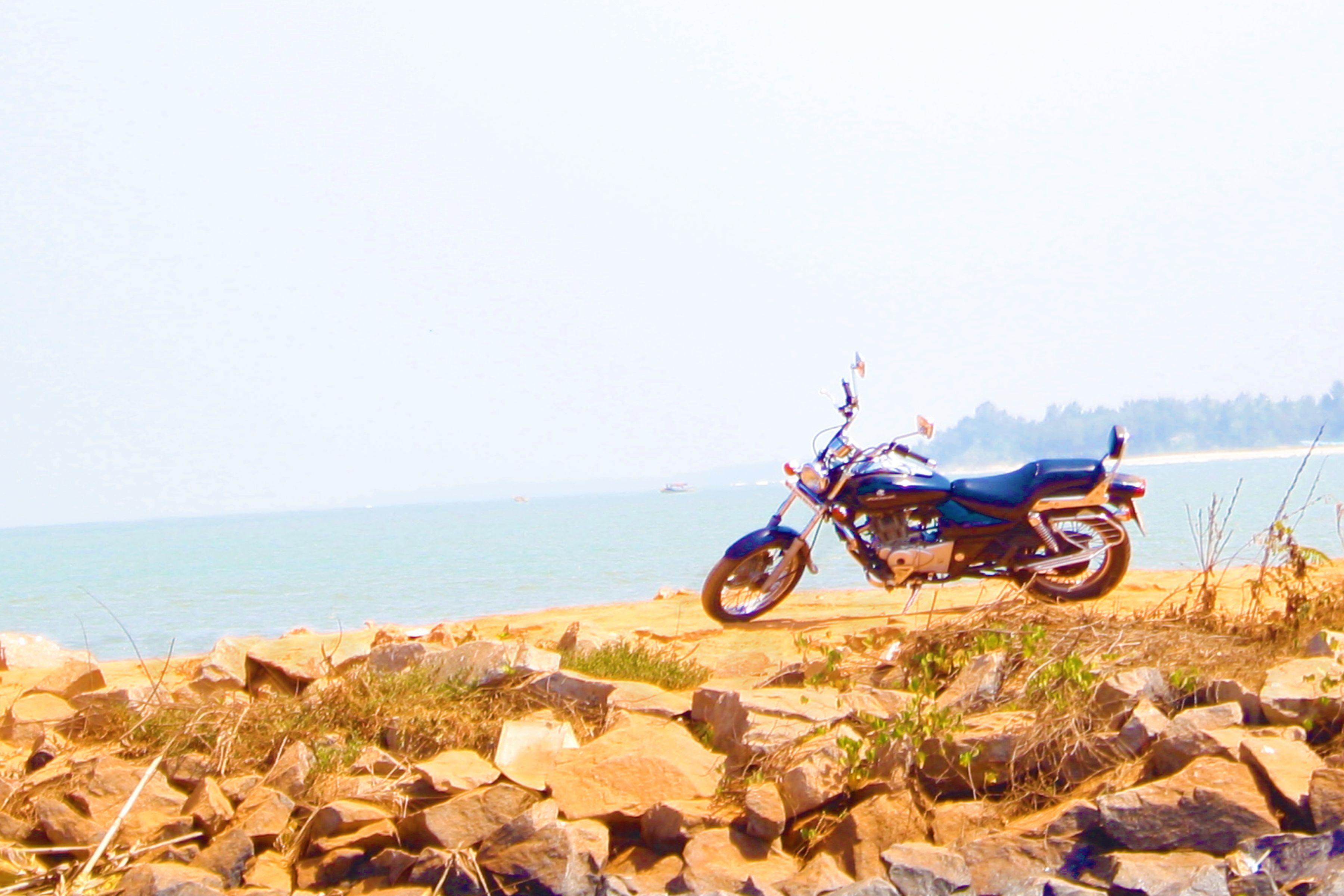 bike,trip,waiting,ourworld,malpe,St Mary's island,udupi,pravin,phenomenon,pm,throo da looking glass,bangalore blog